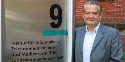 Read more about the article Apresentação do Prof. Marcos Wachowicz  no ITM Münster – Alemanha